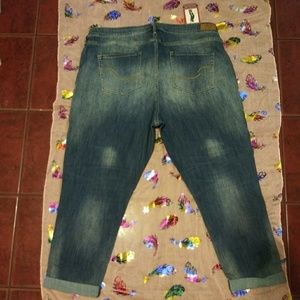 Signature by Levi Strauss Crop Jeans